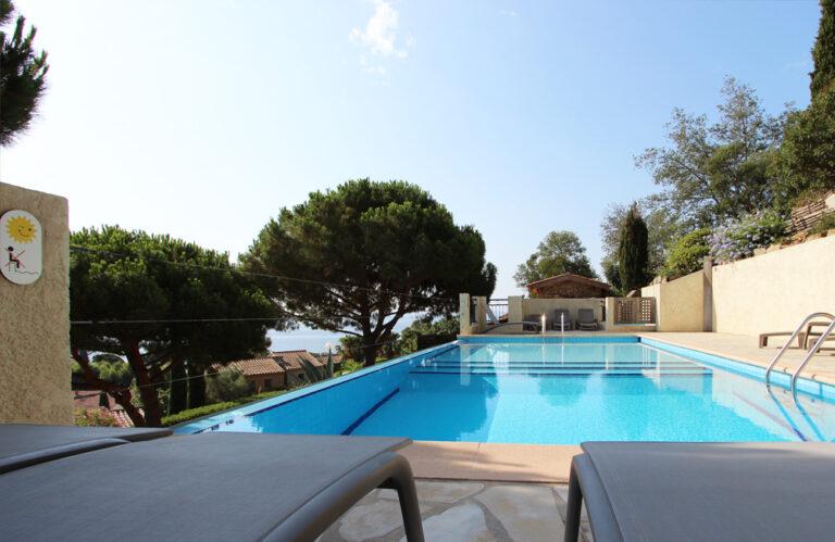 Aiguebelle - foto's - accommodatie - zwembad 2