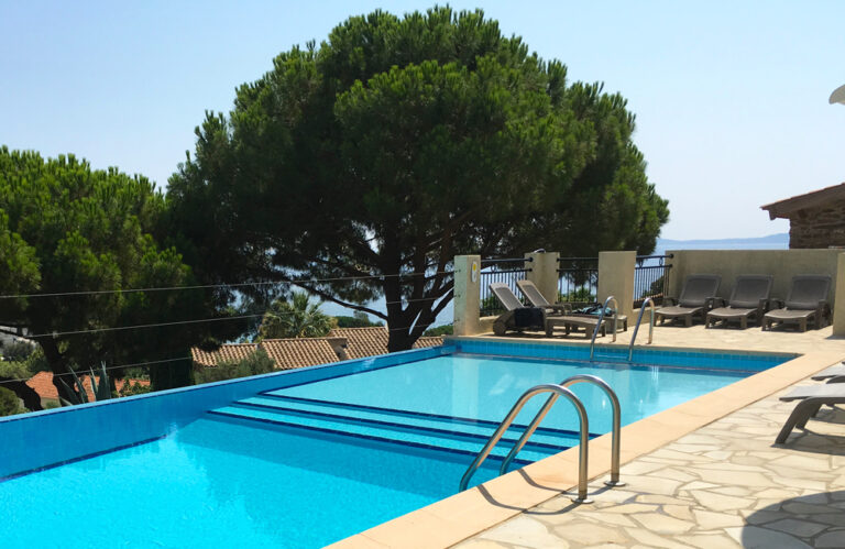 Aiguebelle - foto's - accommodatie - zwembad 3